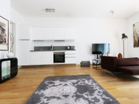 800   Modern and spacious Apartment with 2 terraces – Mitte