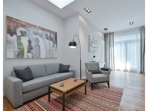Urban-apartments.com Luxury Apartment w. Terrace Mitte | 792 - إيجارات الإجازات