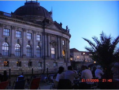 BERLIN 3 Room Holiday Flat Museumsinsel Center Mitte - إيجارات الإجازات