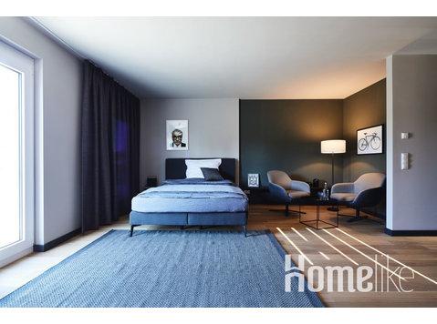 Medium Design Serviced Apartment with Terrace - Apartments