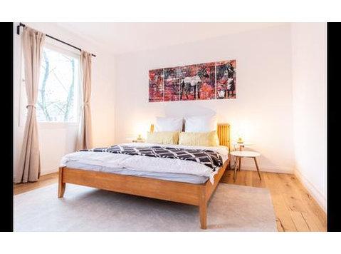 Untergrünewalder Straße, Wuppertal : 1696443 - Apartments