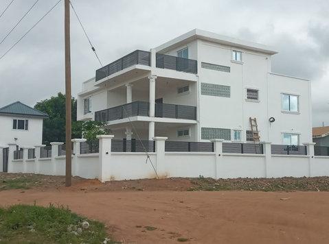 5bed Storey Plus 3bedroom Quarters for Sale @ Pokuase Accra - Maisons