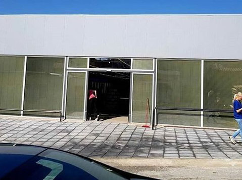 Store for sale in Greece - Birouri / Spaţii Comerciale