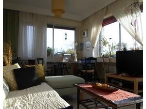Thessaloniki sunny room in shared flat - big veranda - Flatshare