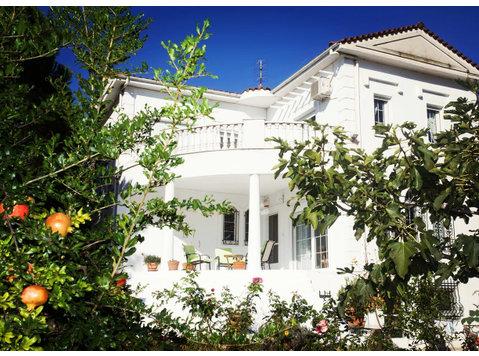 Leoforos Thessalonikis, Axios : 1409236 - Houses