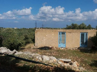 House with garden in a village 7km from Sitia.