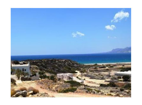 Lagada, East Crete, a plot of land with superb view - Grunde