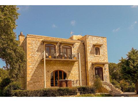 Kastellos, Rethymno : 1675707 - Casas