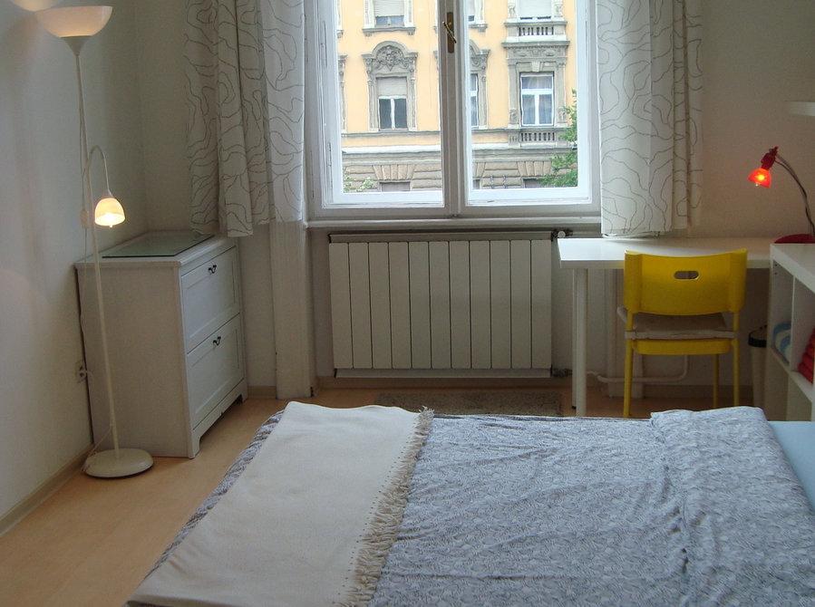 """Rakoczi sq.""""corner room""""& balcony,view,32m2,near ..."""