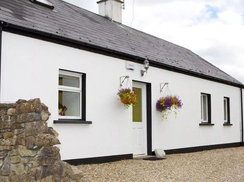 Ireland Sligo Cottage 3bd 12 Acres. Stunning Beach Location. - Houses
