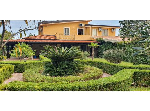 Contrada Difesa, Pizzo : 1722848 - Houses