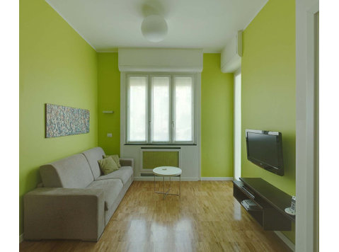Via Giovanni Battista Pergolesi, Città metropolitana di… - Apartments