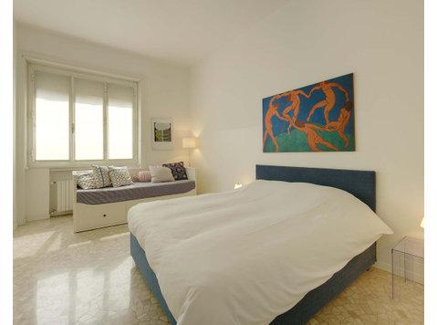 Via Giovanni Battista Pergolesi, Milan : 1319869 - Apartments