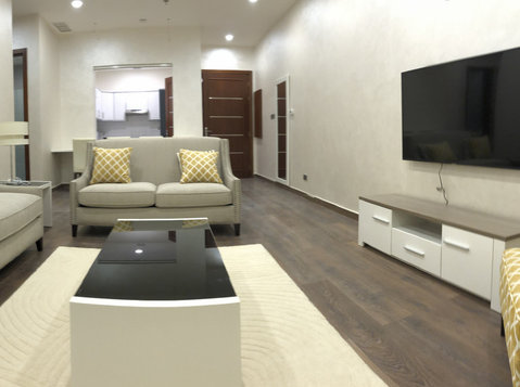 1&2  bedroom semi furnished with pool and gym - Apartamentos