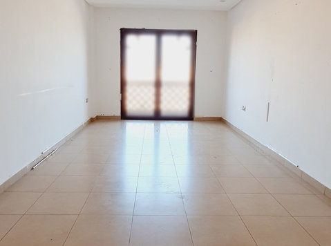 2 bedrooms in salmiya  with pool and gym - Leiligheter