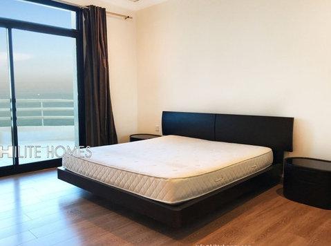 3 Bedroom sea front apartment for rent in salmiya, Kuwait - Apartamentos