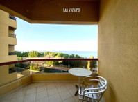 Luxury 3BHK SeaView Furnished &Unfurnished Apt. with Balcony