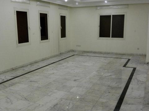 4 bedrooms flat in salwa for rent - Apartmani