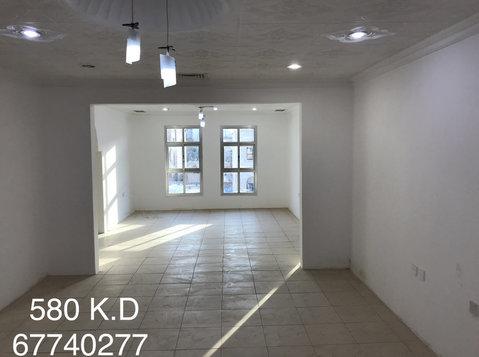 Big 3 bedrooms apartment in salwa for rent - อพาร์ตเม้นท์