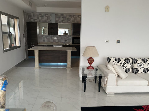 very nice villa sea view flat with balcony in abu alhasanya - Huizen