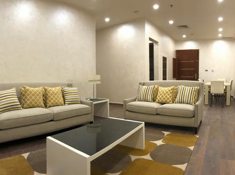 Large 2& 3  bedroom fully furnished in salmiya yearly cont - Leiligheter