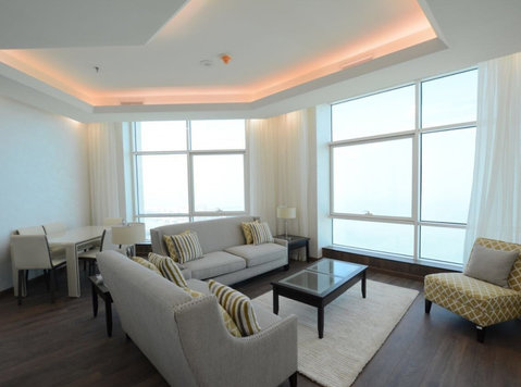 Modern 1 and 2 Br Sea view - Kuwait City - דירות