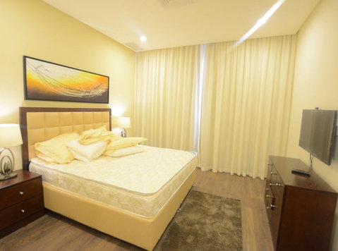 Modern 1 and 2 Br in Salmiya - דירות