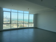 Sea view flat in Salmiya for rent