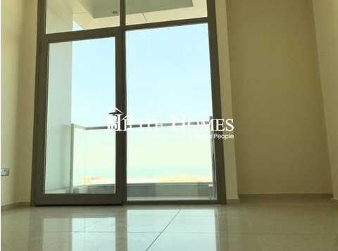 Sea view 3 bedroom apartment with balcony KD 760 , Salmiya - Apartments