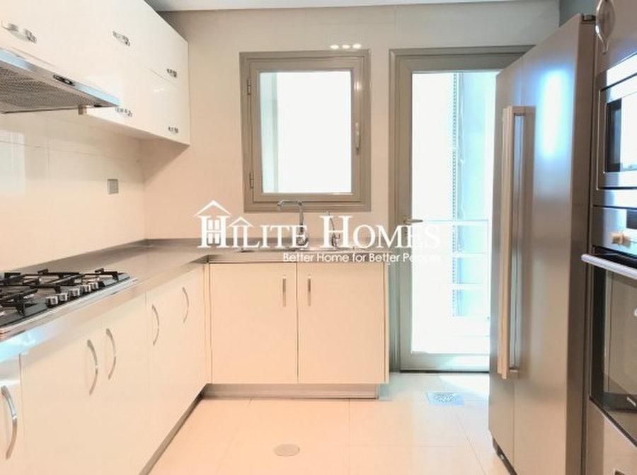 Sea View 3 Bedroom Apartment With Balcony Kd 760 Salmiya