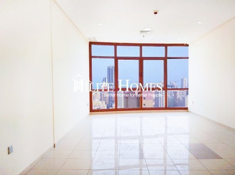Three bedroom unfurnished apartment in Salmiya - Apartments