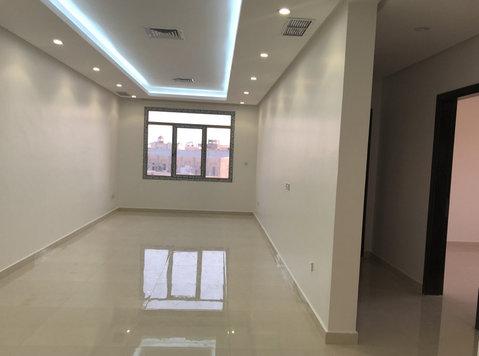 New 4 bedrooms floor in Surra - Apartments