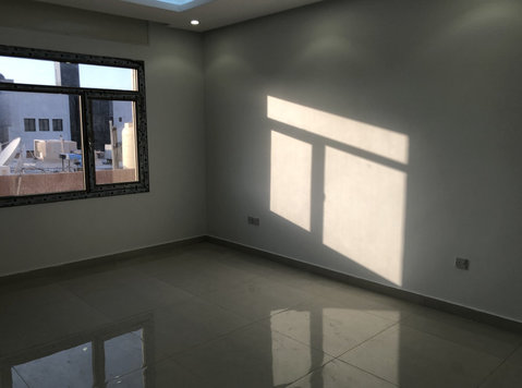 New 4 bedrooms floor in Surra - اپارٹمنٹ