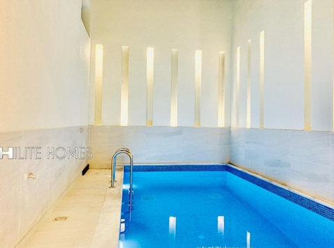Duplex boutique Villa for rent in Jabriya - Къщи