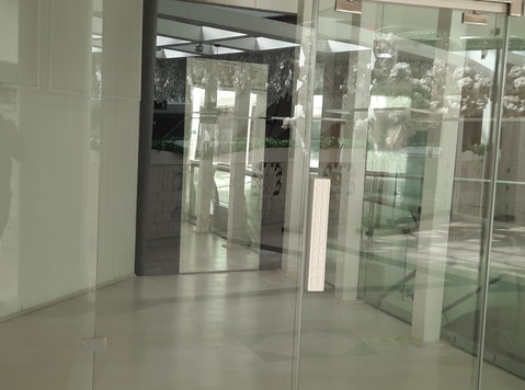 For rent shop in Kuwait, city - Office / Commercial