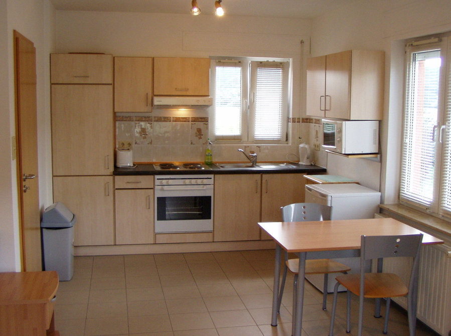 Fully Furnished 1-bed Apt(c) - € 1260 pm all incl, JAN ...