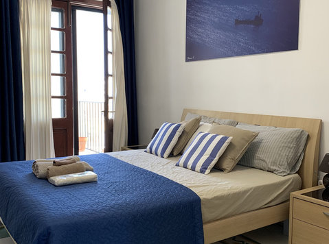 St Julians - Amazing Double Room + Ensuite Bathroom+Balcony - Flatshare
