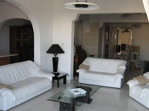 Sliema close to language school - Apartments