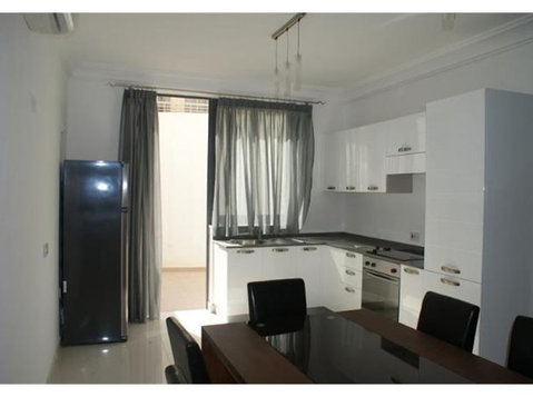 2 bedroom apartment - sliema - €750 - Appartements