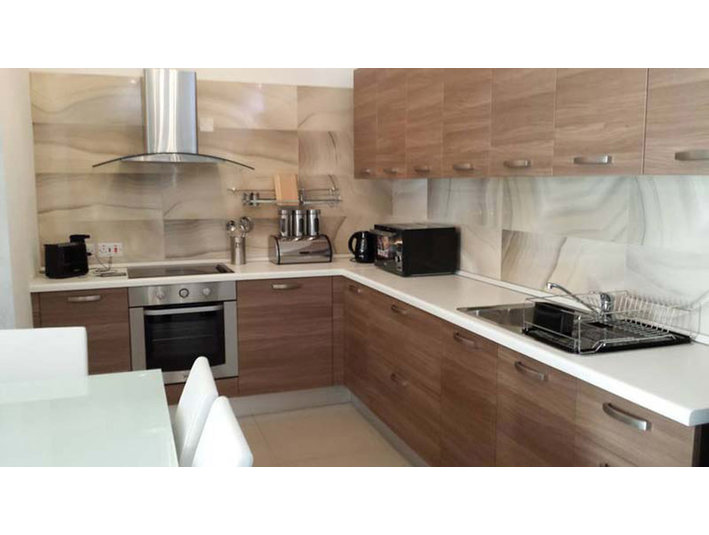 2 bedroom apartment - sliema - €900 - Wohnungen