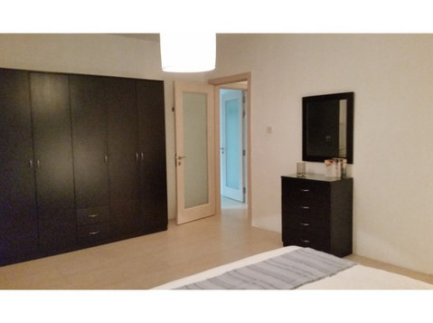 2 bedroom apartment - sliema - €900 - Pisos