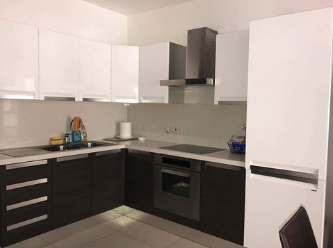 2 bedroom apartment - sliema - €950 - Pisos
