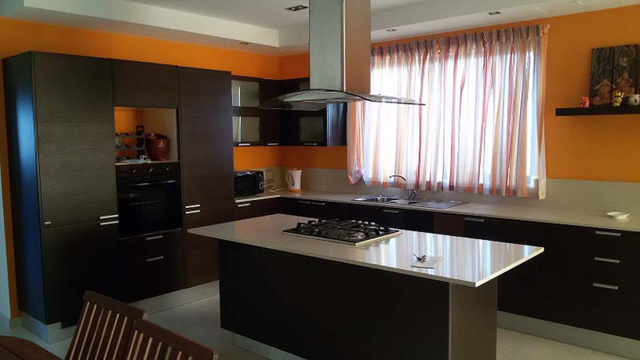 2 bedroom penthouse marsaskala 800 for rent