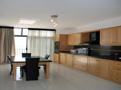 2 bedroom penthouse - sliema - €900 - Appartements