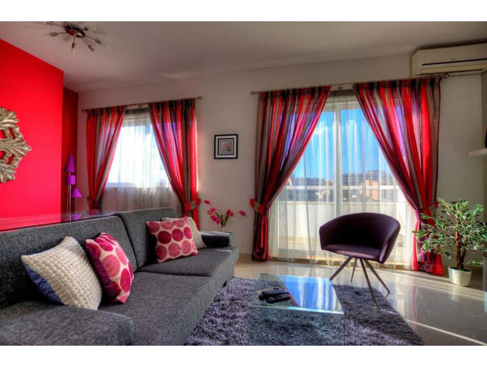 2 bedrooom apartment - st' julians - €2,000 - Apartments