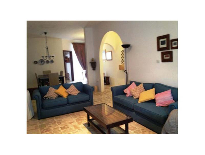 3 bedroom apartement - swieqi - €900 - Apartments