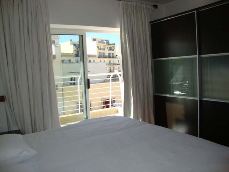 €800: For Rent: Apartments