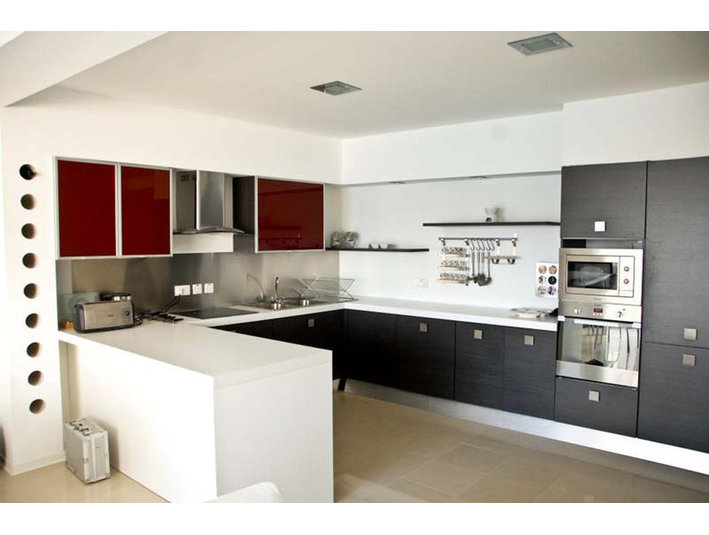 3 bedroom apartment - sliema - €1,200 - Appartements
