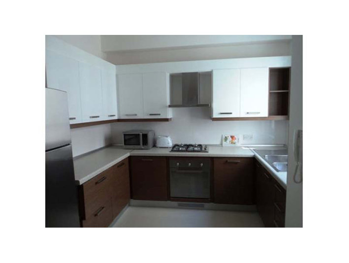 3 bedroom apartment - swieqi - €1,000 - Pisos