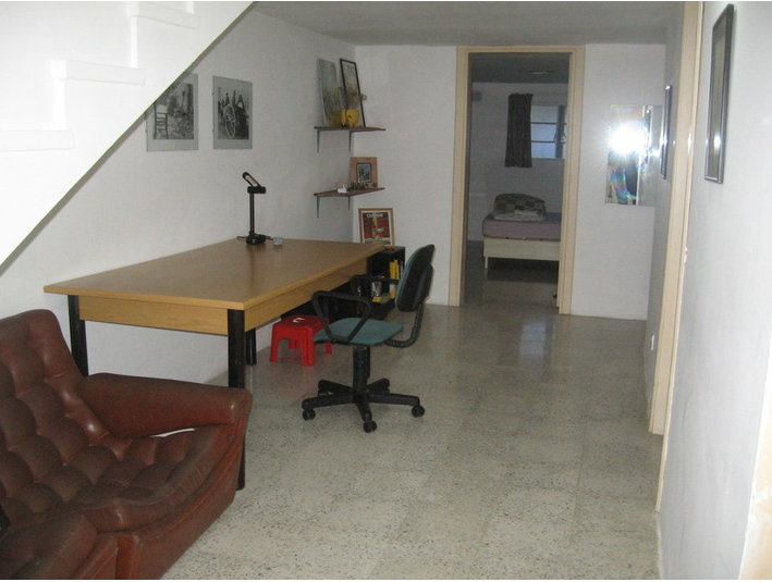 Spacious San Gwann/St Julians apartment with sunny patio - דירות